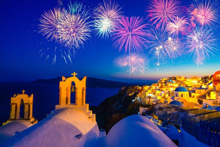 Feu d'artifice à Santorin, Cyclades, Grèce