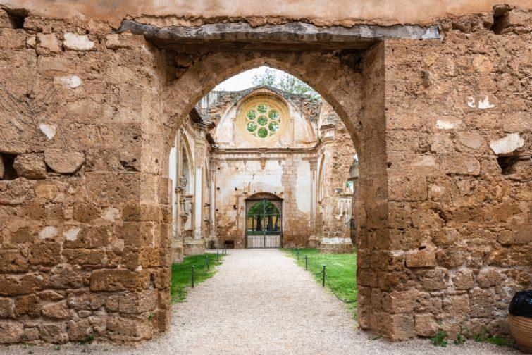 monastere-pierre-aragon