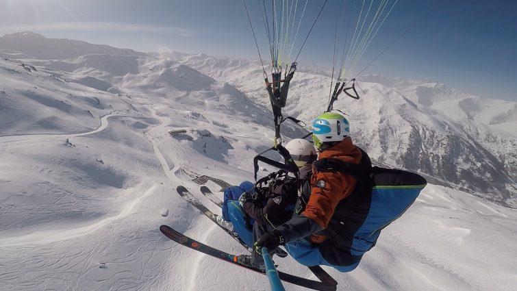 Parapente à ski activité outdoor à Valmeinier