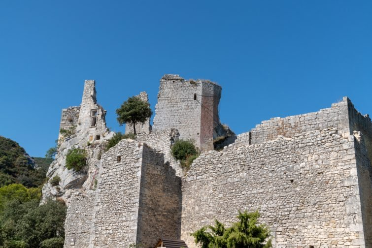 ruines-chateau-medieval-visiter-oppèdelevieux
