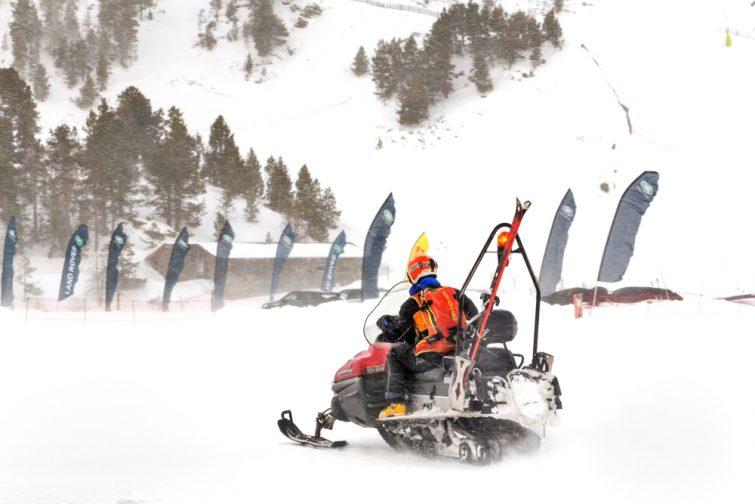 Scooter des neiges Pyrénées