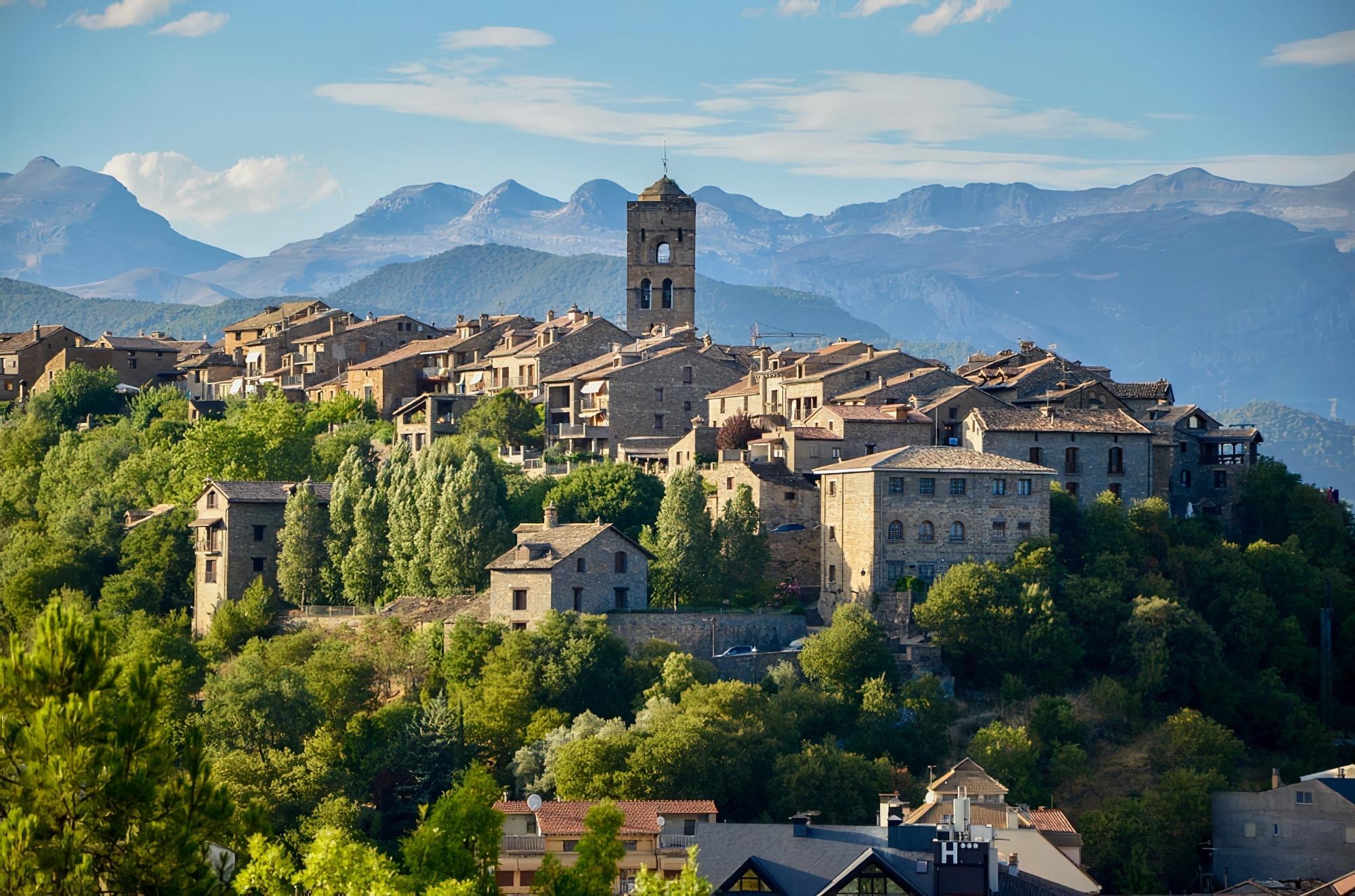 Villages d'Aragon : Aínsa Aragon Espagne