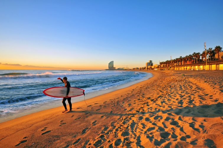 Surf à Barcelone