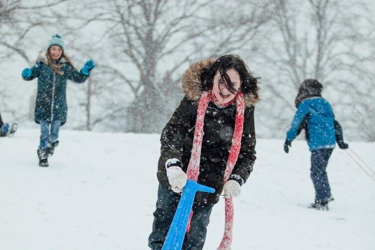 Trotinette sur neige