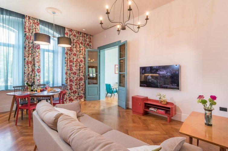 Mar Mar Unique Apartment in Antique Style - Airbnb Pula