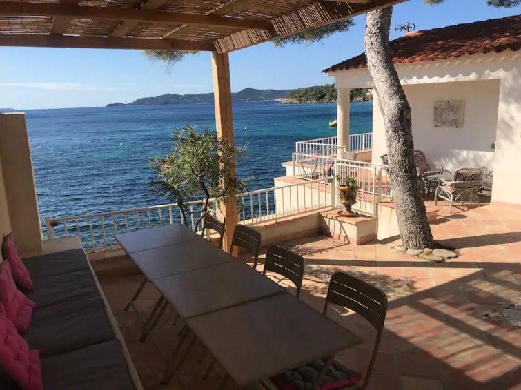 UNIQUE: PIEDS DANS L EAU, TONIQUE ET REPOSANT - Airbnb Lavandou