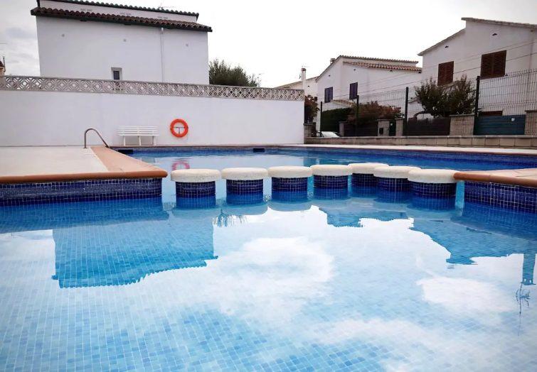 Villa L'Escala, community pool, tennis courts WiFi
