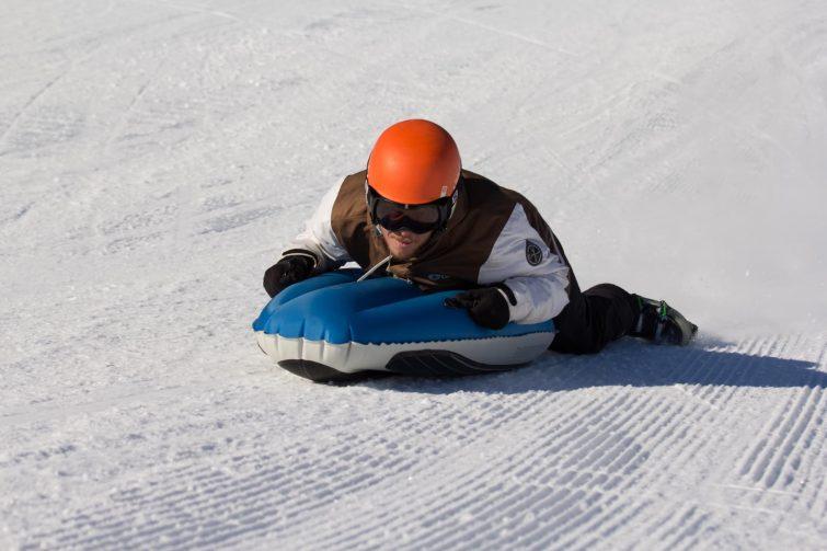 Airboard-mont-dore-activites-outdoor