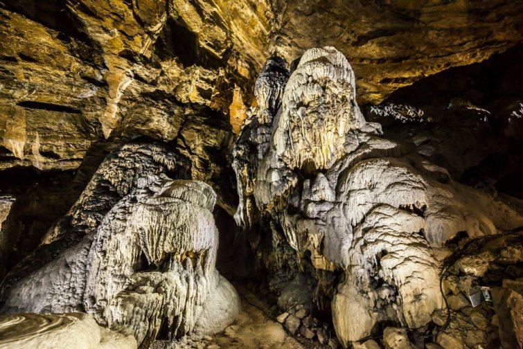 Han-sur-Lesse-grottes-visiter-province-namur