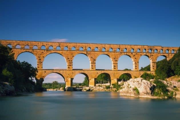 6 randonnées à faire au départ du Pont du Gard