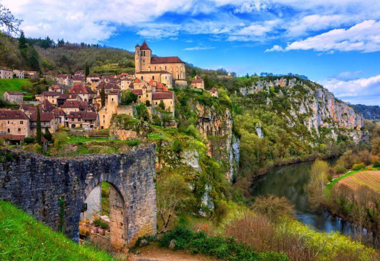 Saint-Cirq-Lapopie-visiter-midi-pyrennees