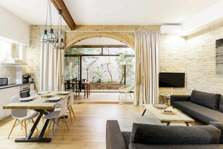 Loft cosy avec cour intérieure
