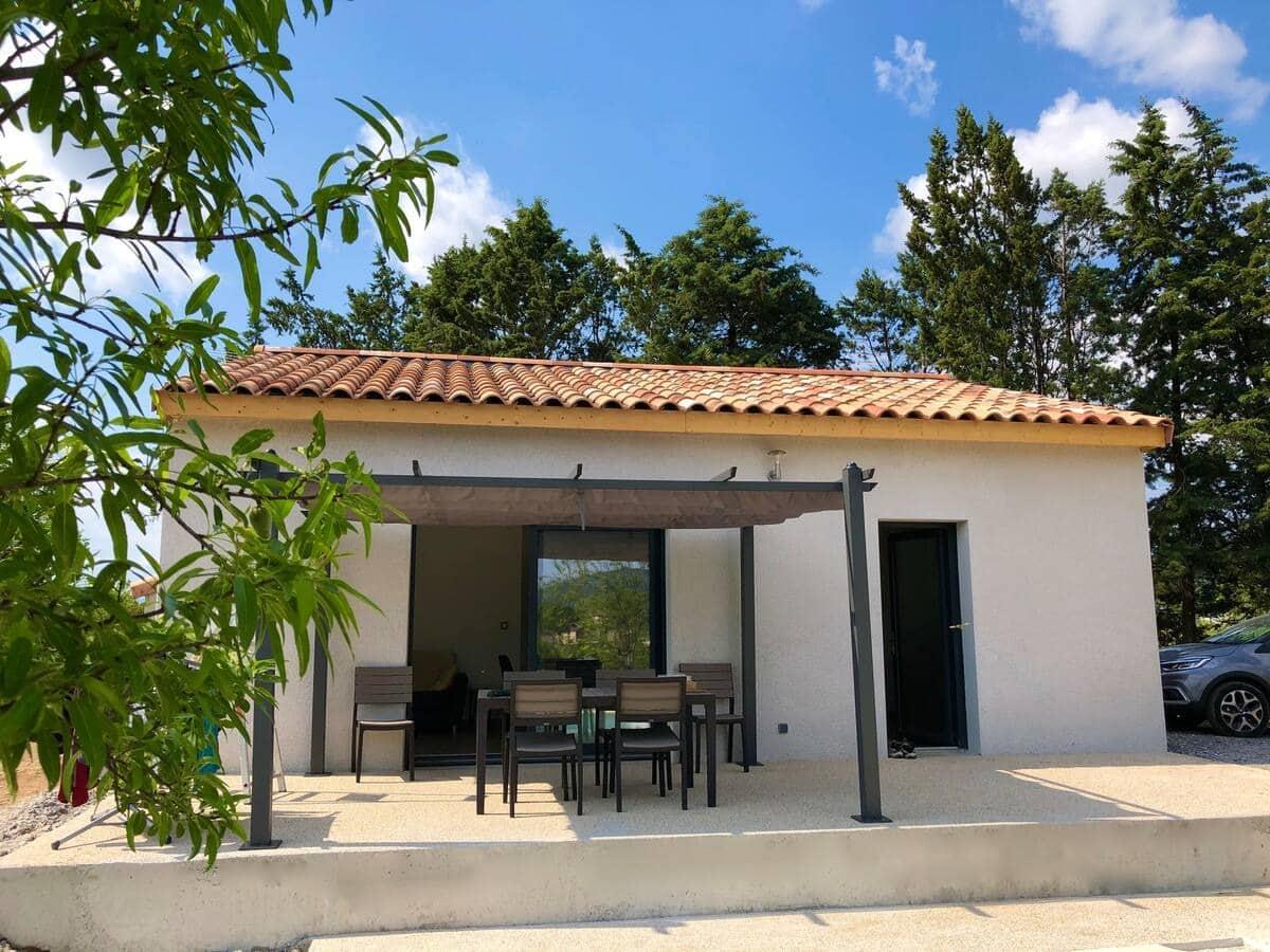 Maison neuve, piscine privée et chauffée