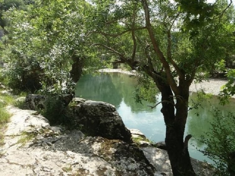 berges-de-lherault-occitanie