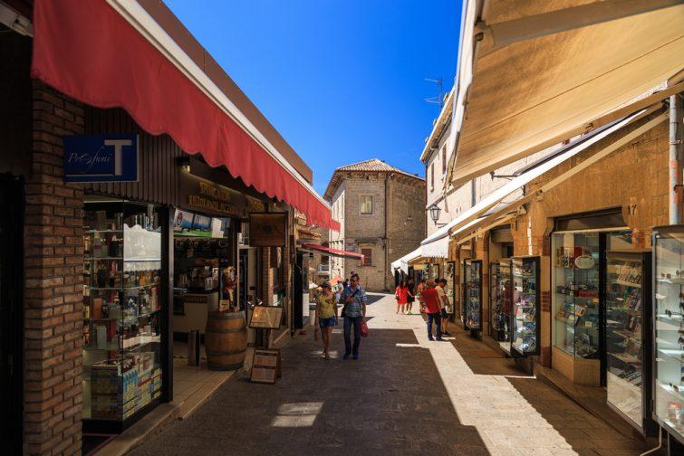 Shopping visiter Saint-Marin