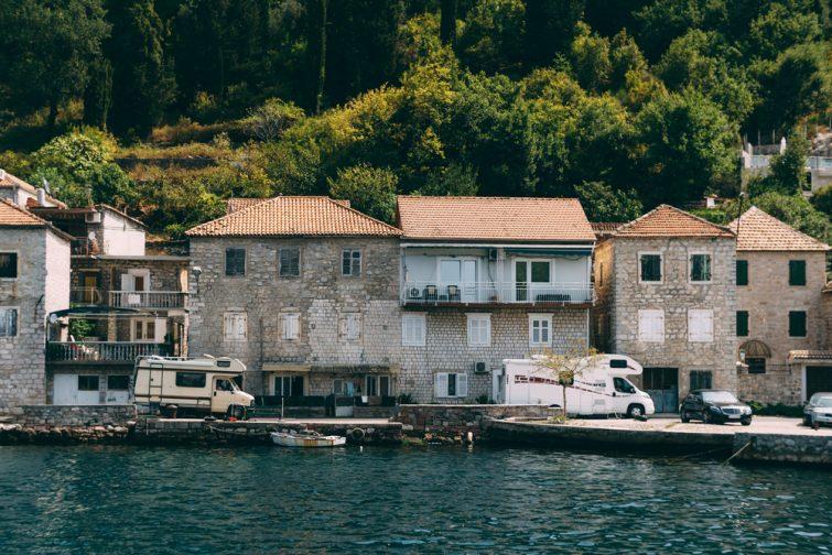 camping-car-montenegro-voyager