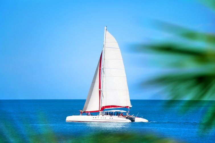 Visiter les iles Lérins en Catamaran