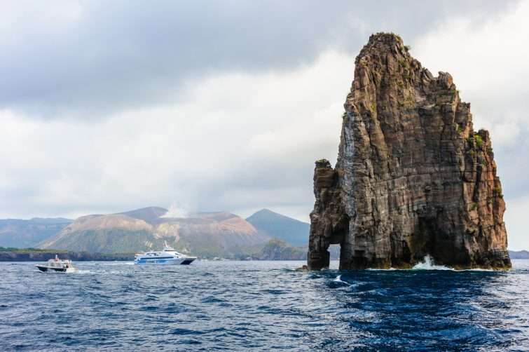 Ferry Sicile-Îles Éoliennes
