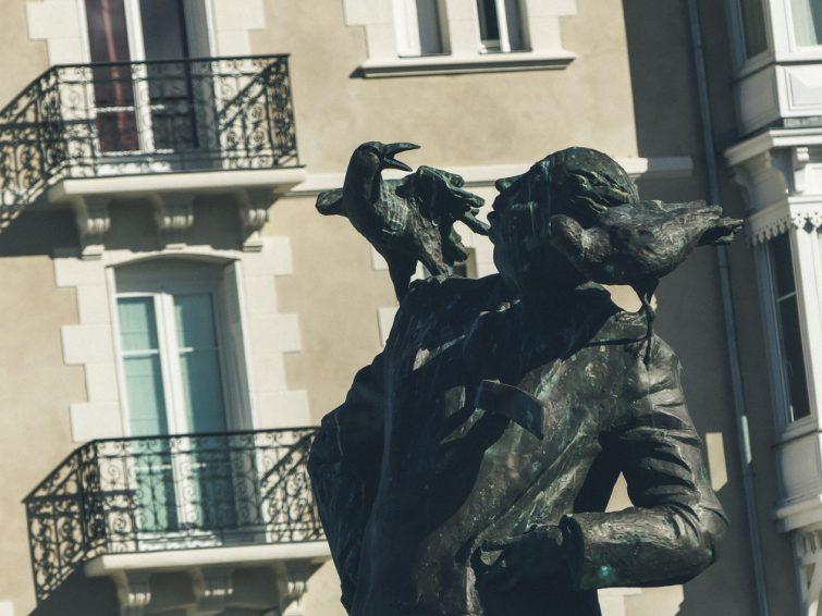 Statue Hitchcock