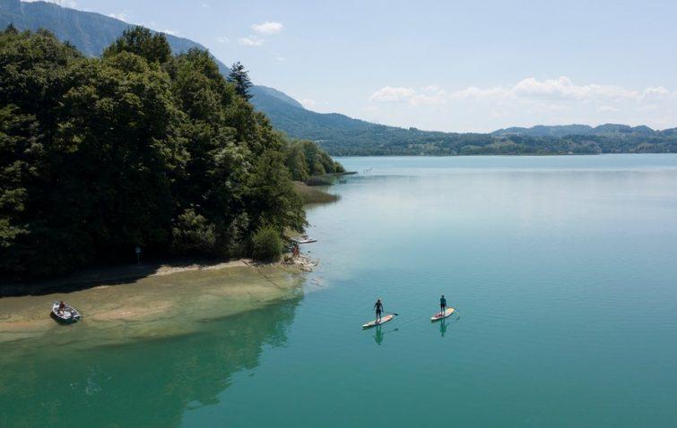 lac d'Aiguebelette-paddle-visiter-parc-naturel-regional-chartreuse-guide