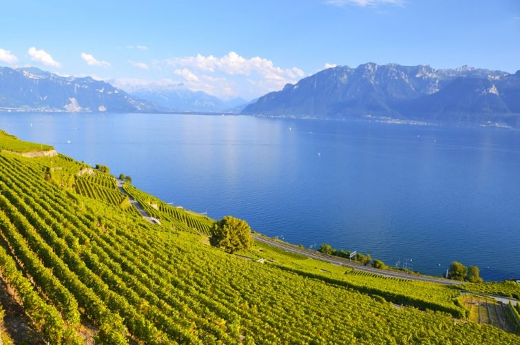 lac-leman-suisse-camping-car