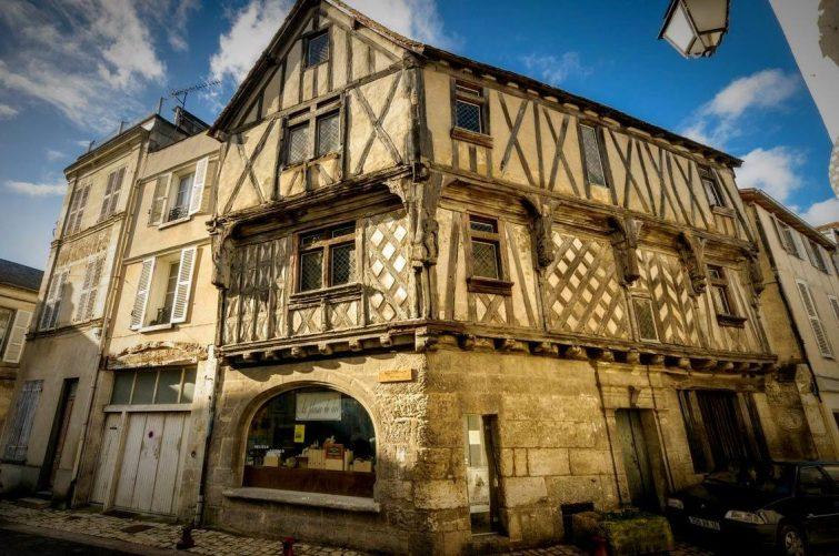 maison-de-lieutenance-visiter-cognac