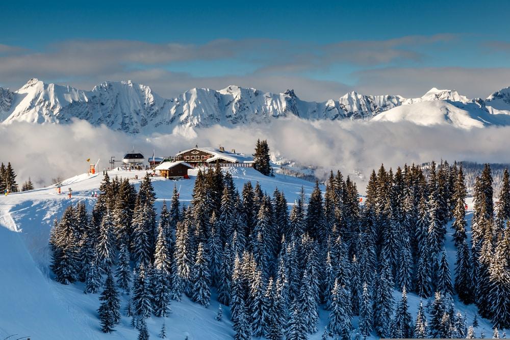 Restaurant de ski sur le Pic de montagne près de Megeve dans les Alpes françaises, France