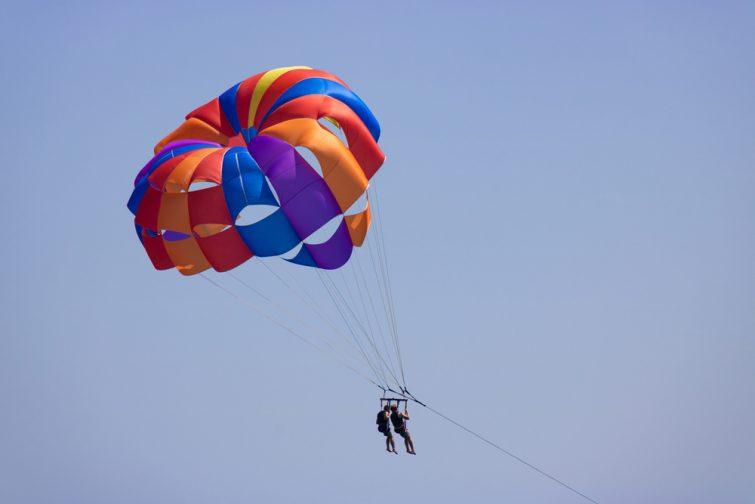 Parachute ascensionnel activité outdoor à Lanzarote