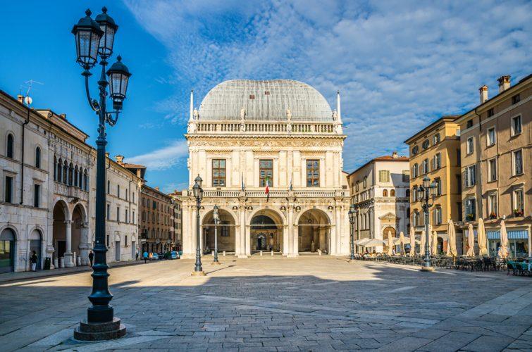 Piazza della loggia visiter Brescia