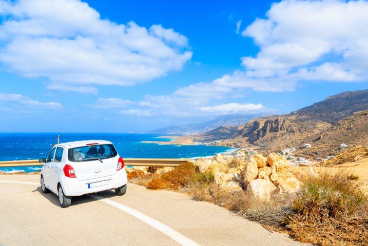 voiture santorin - transfert entre l'aéroport de santorin et le reste de l'île