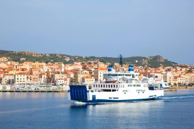 Ferry Sardaigne : guide complet