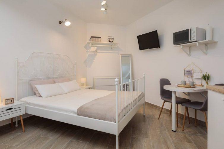 split-airbnb