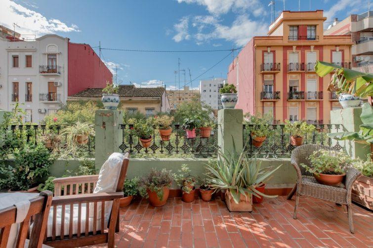 Airbnb Valence : Penthouse de caractère