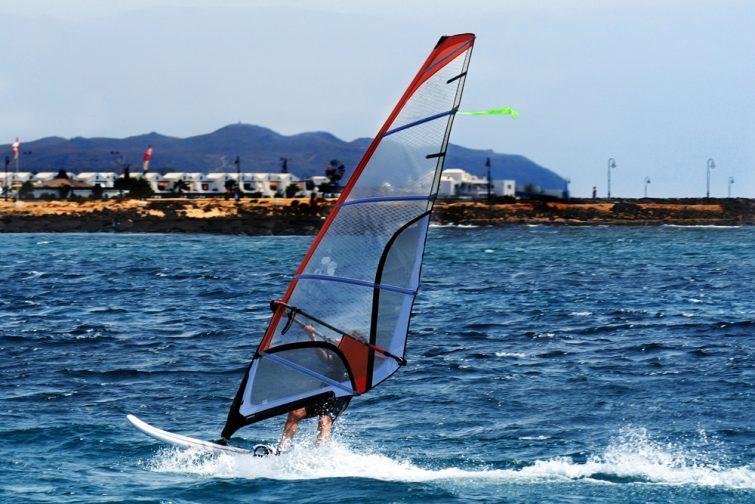 Windsurf activité outdoor à Lanzarote