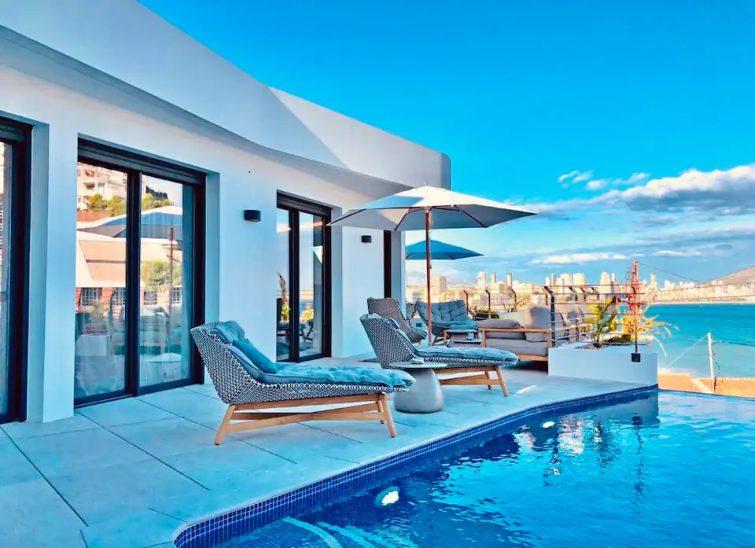 Appartement de luxe avec piscine à débordement
