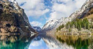 Balade glacée à travers les fjords norvégiens