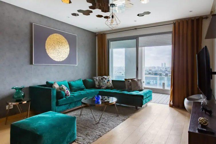 Appartement contemporain avec vue imprenable sur la mer
