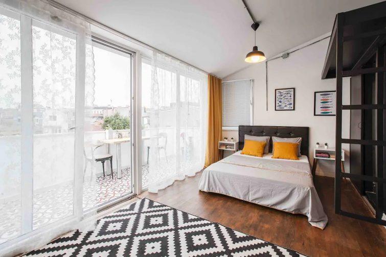 City View Studio Flat in Taksim