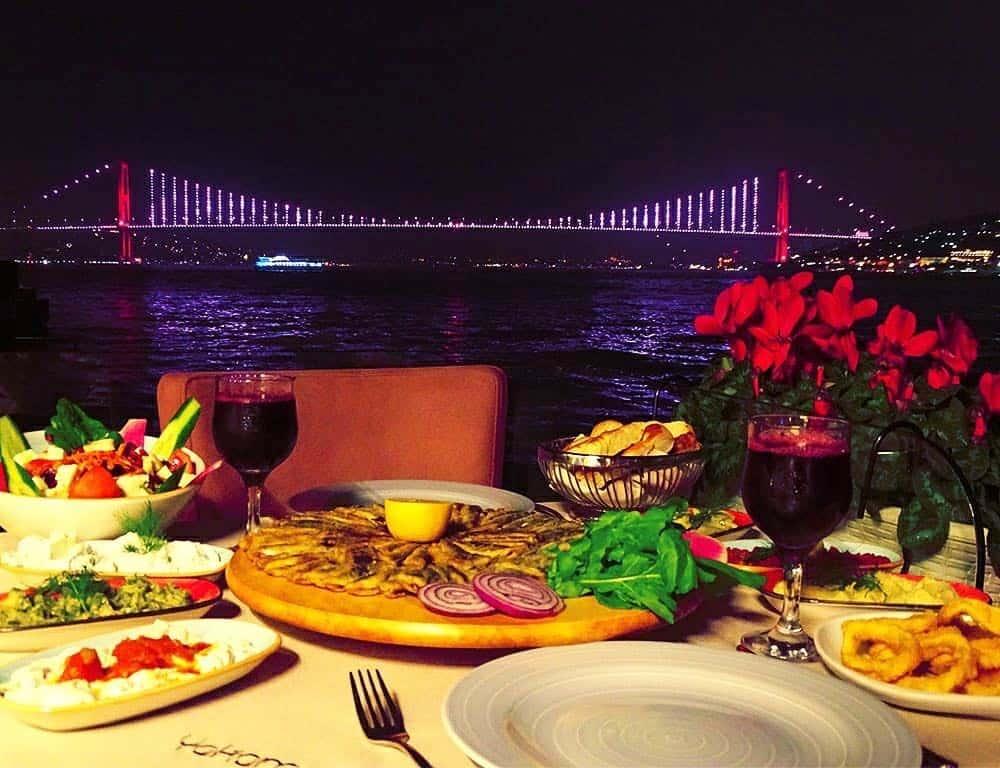 Yakamoz à Istanbul