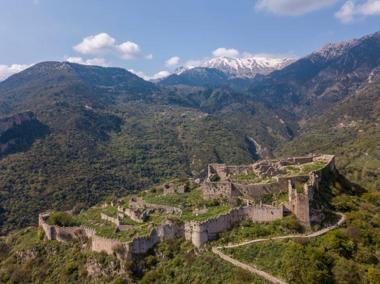 Visiter le chateau de villehardouin, kalamata