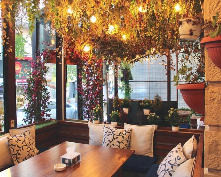 Tammouz Restaurant & Cafe