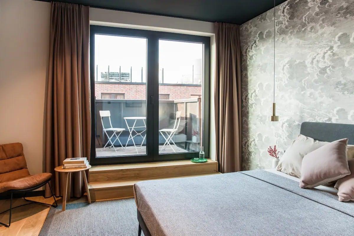 Studio design avec balcon
