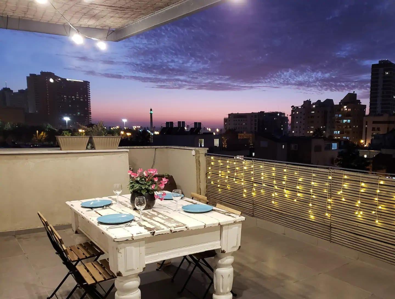 Luxueux penthouse avec terrasse et vue mer