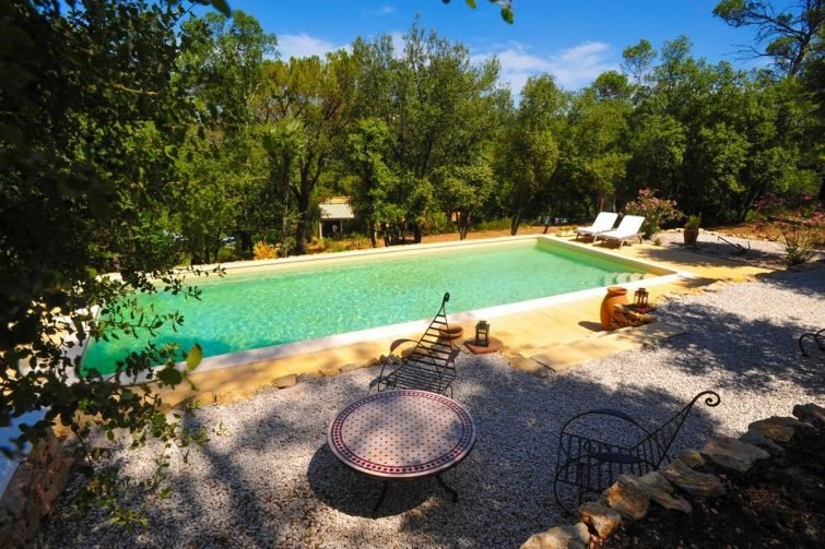 Airbnb Cabasse-sur-Issole : Gîte idéal pour les amoureux