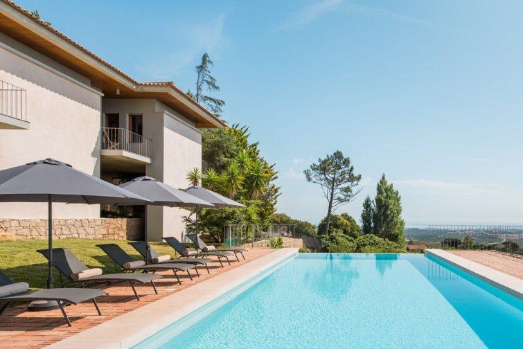 Maison avec piscine, vue mer et montagne