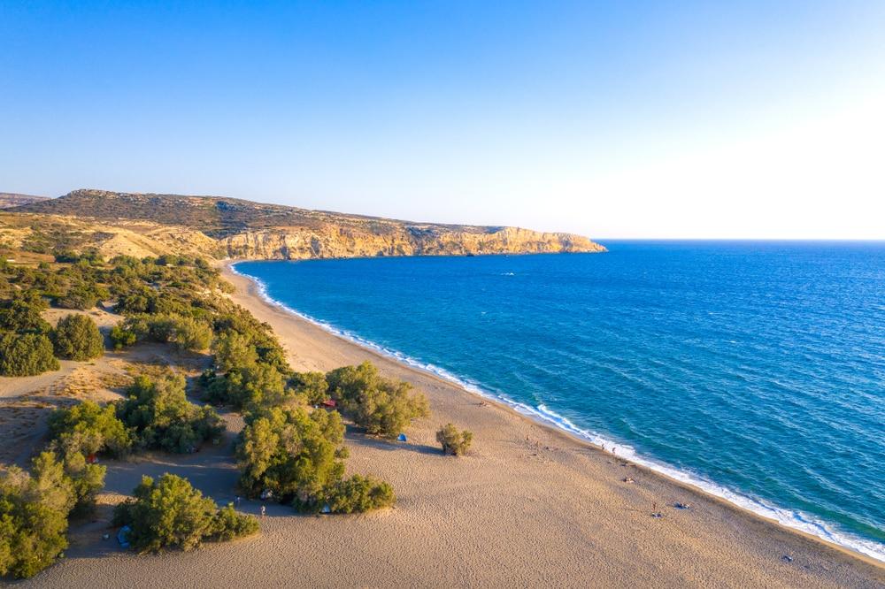 La magnifique plage de Komos