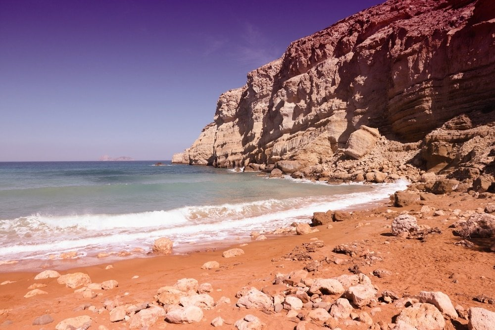 Se baigner à la red beach proche d'Héraklion