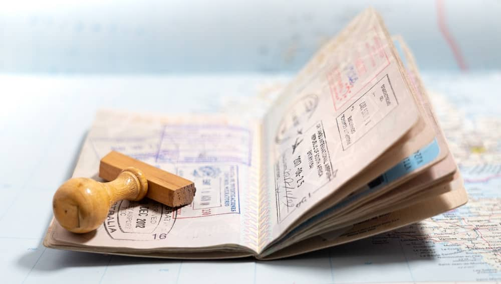Visas tamponnés sur un passeport