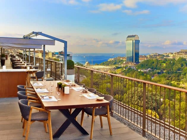Les 10 meilleurs rooftops où boire un verre à Istanbul