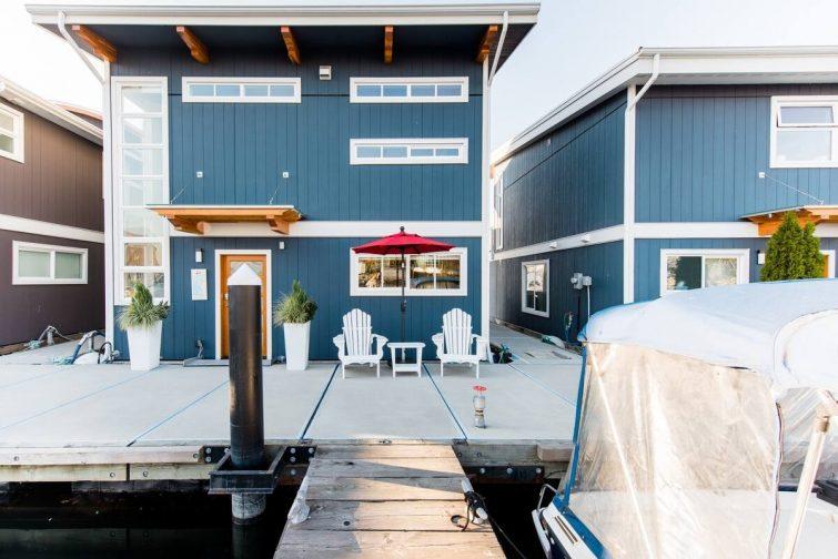 Maison flottante Blue Wolf